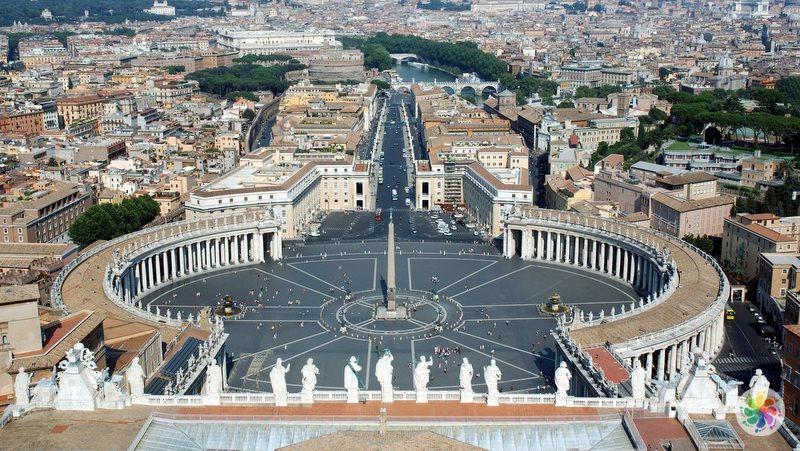 Roma gezilecek yerler, Aziz Petrus Meydanı