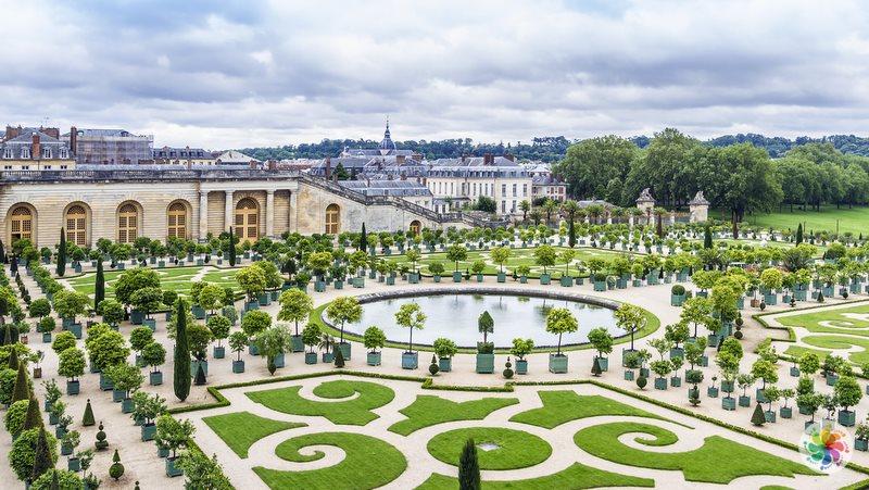 Paris gezilecek yerler, Versay Sarayı ve Bahçeleri