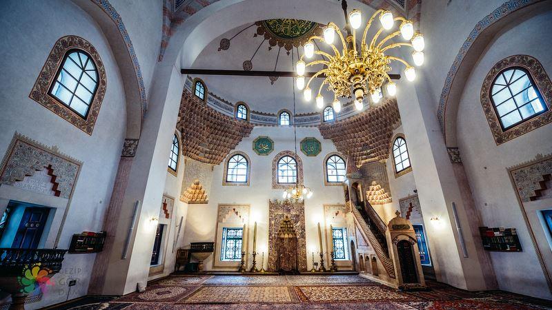 Saraybosna'da gezilmesi gerekenler Gazi Hüsrev Bey Camii