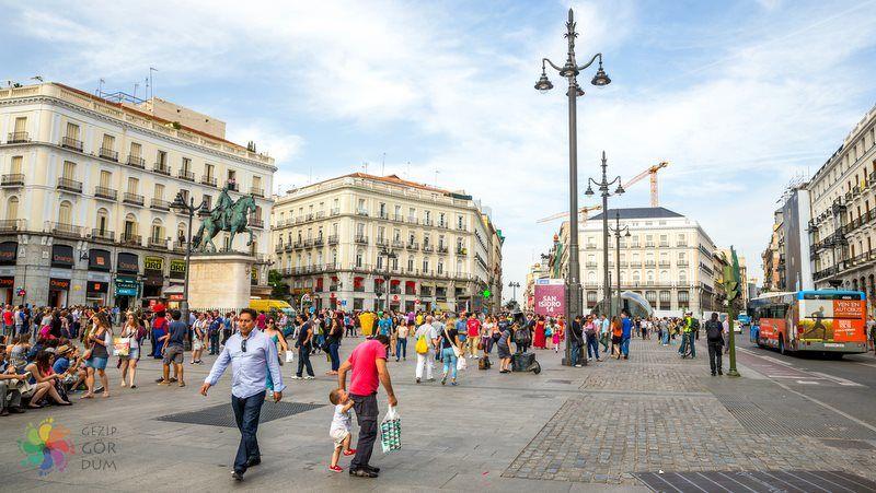 Madrid'de konaklama meydan cadde