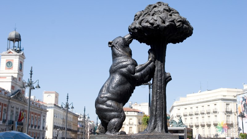 Puerta del Sol Alanı Ayı heykeli